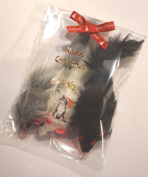 CHRISTMAS CAT TOYS 3 X LARGE FURRY RATTLE MICE IN HAND DECORATED XMAS PACKS
